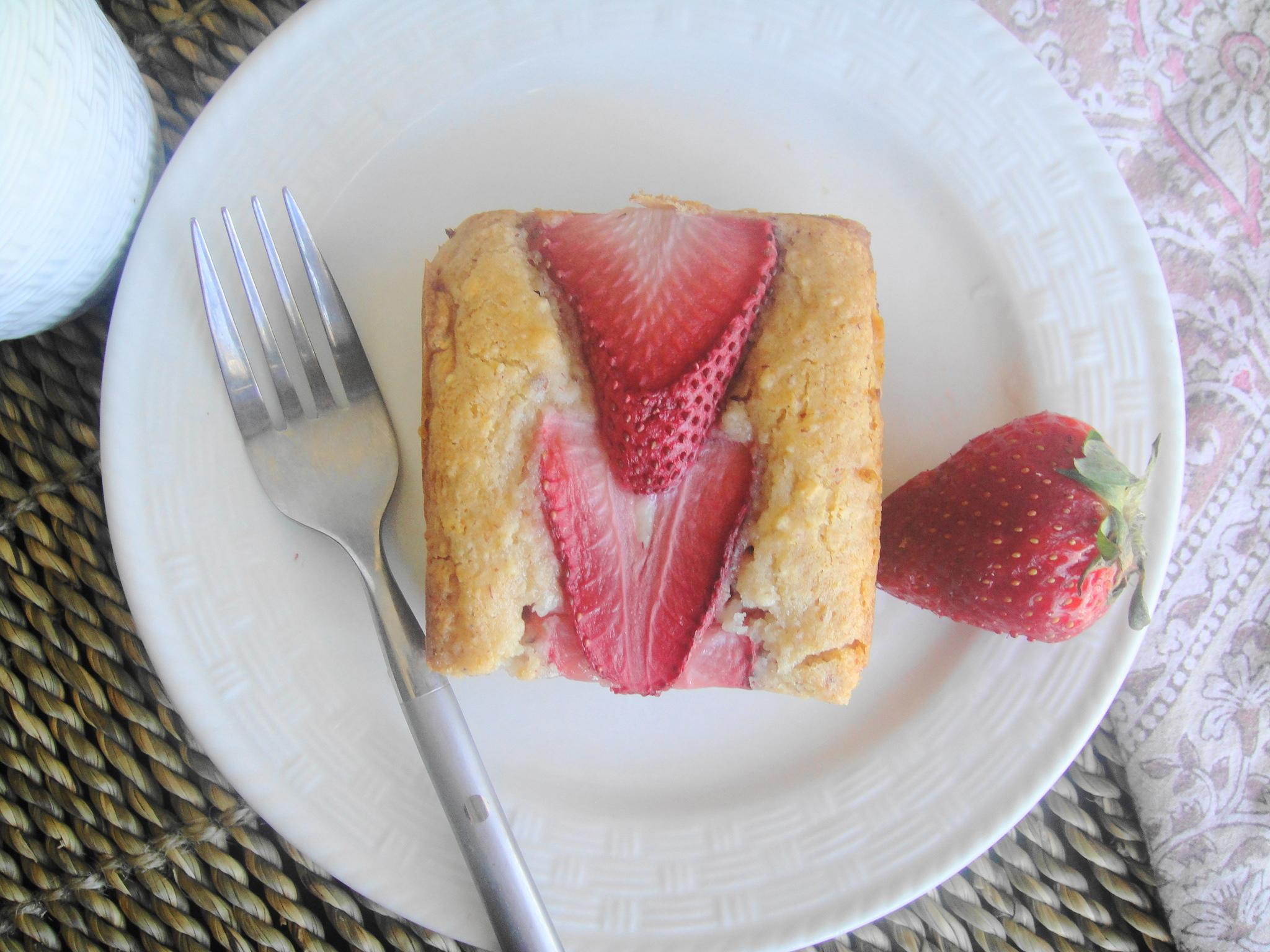 plated strawberry cake