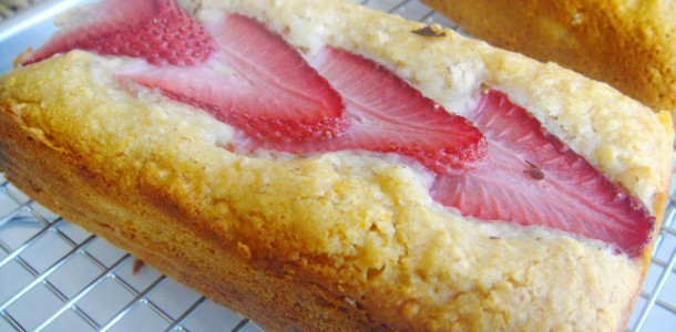 strawberry cake close up
