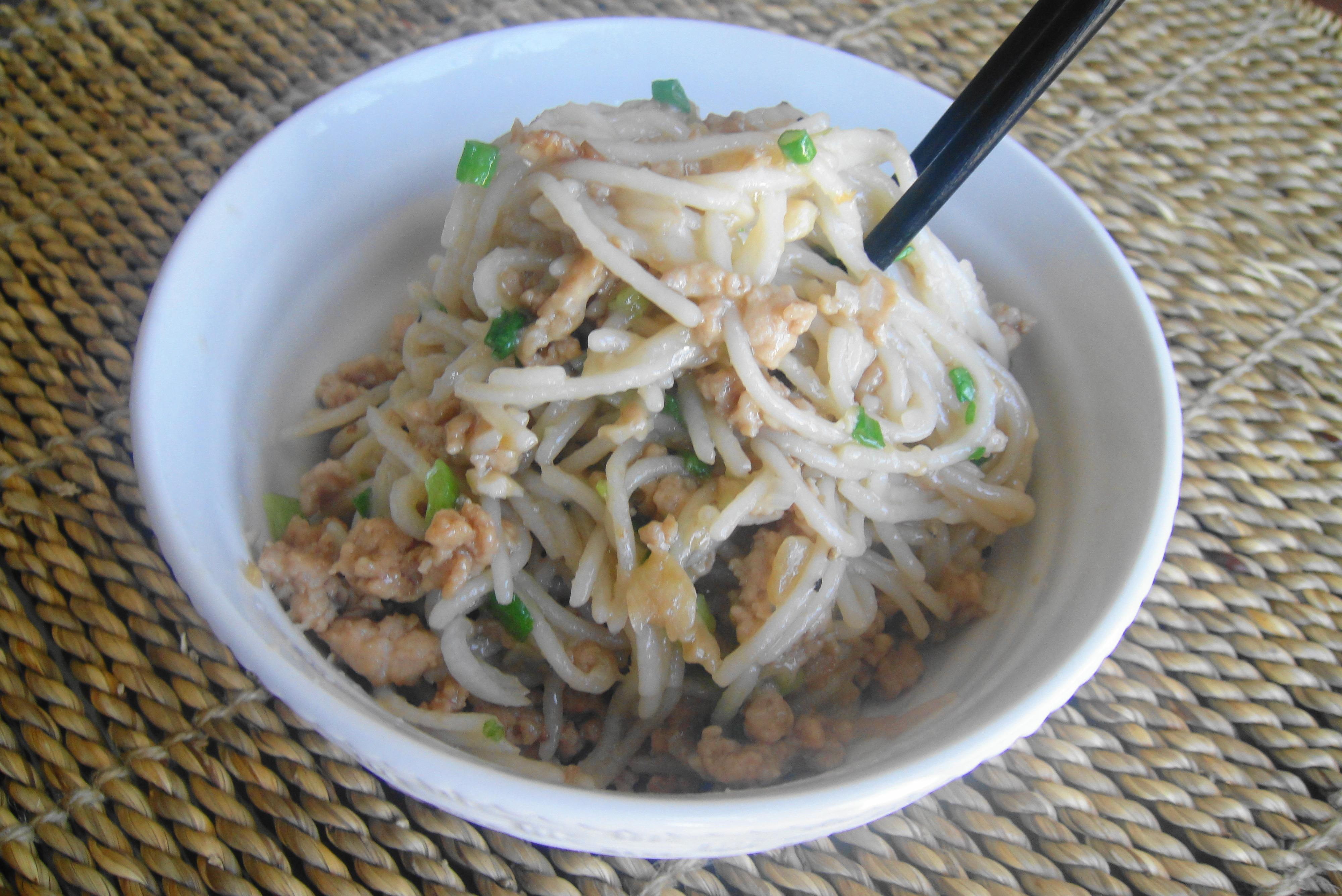 Ahpoh's Tossed Noodles (Yam Mein)