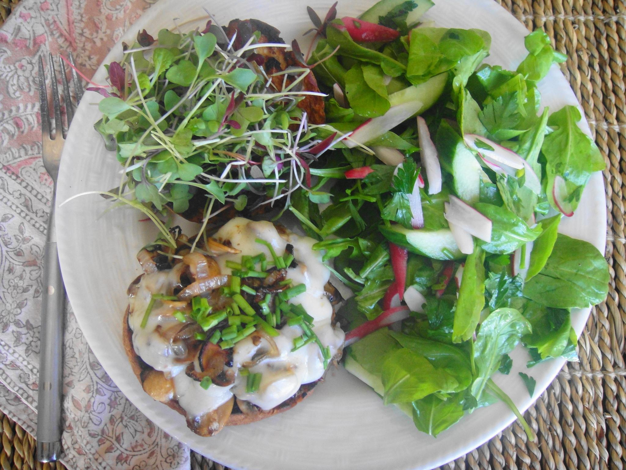 plate view mushroom melt