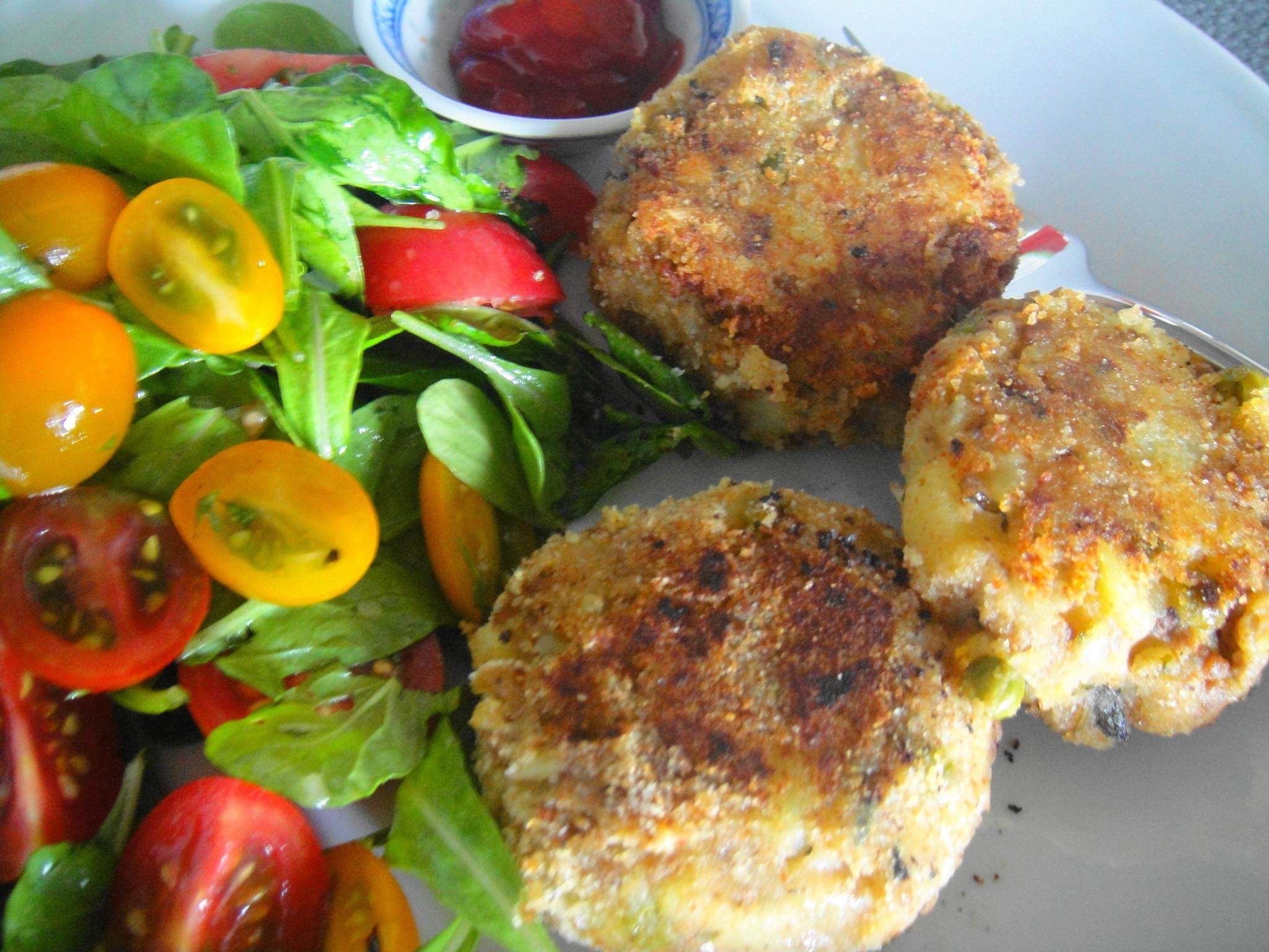Aloo Chap (Spiced Meat and Potato Cakes)