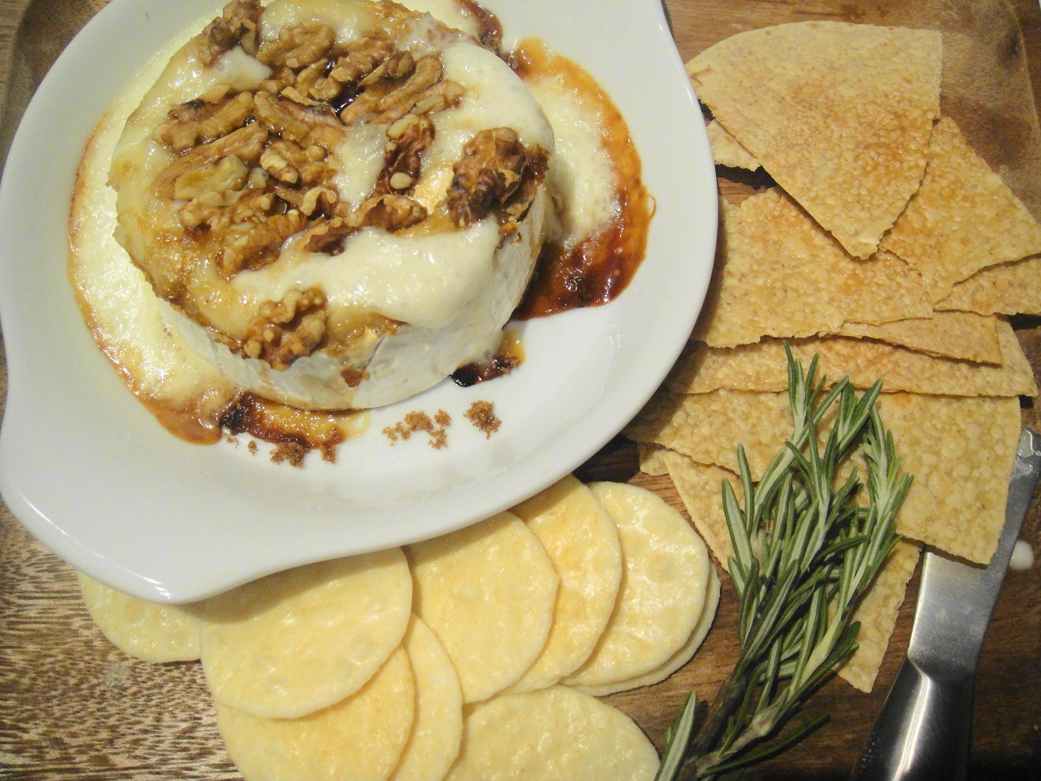 Baked Brie and Artisan Crackers | FreshNess