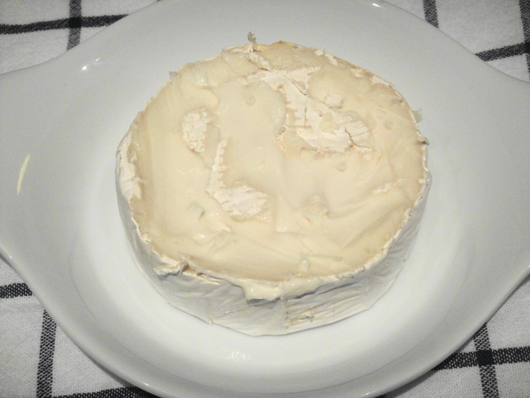 brie with top rind removed
