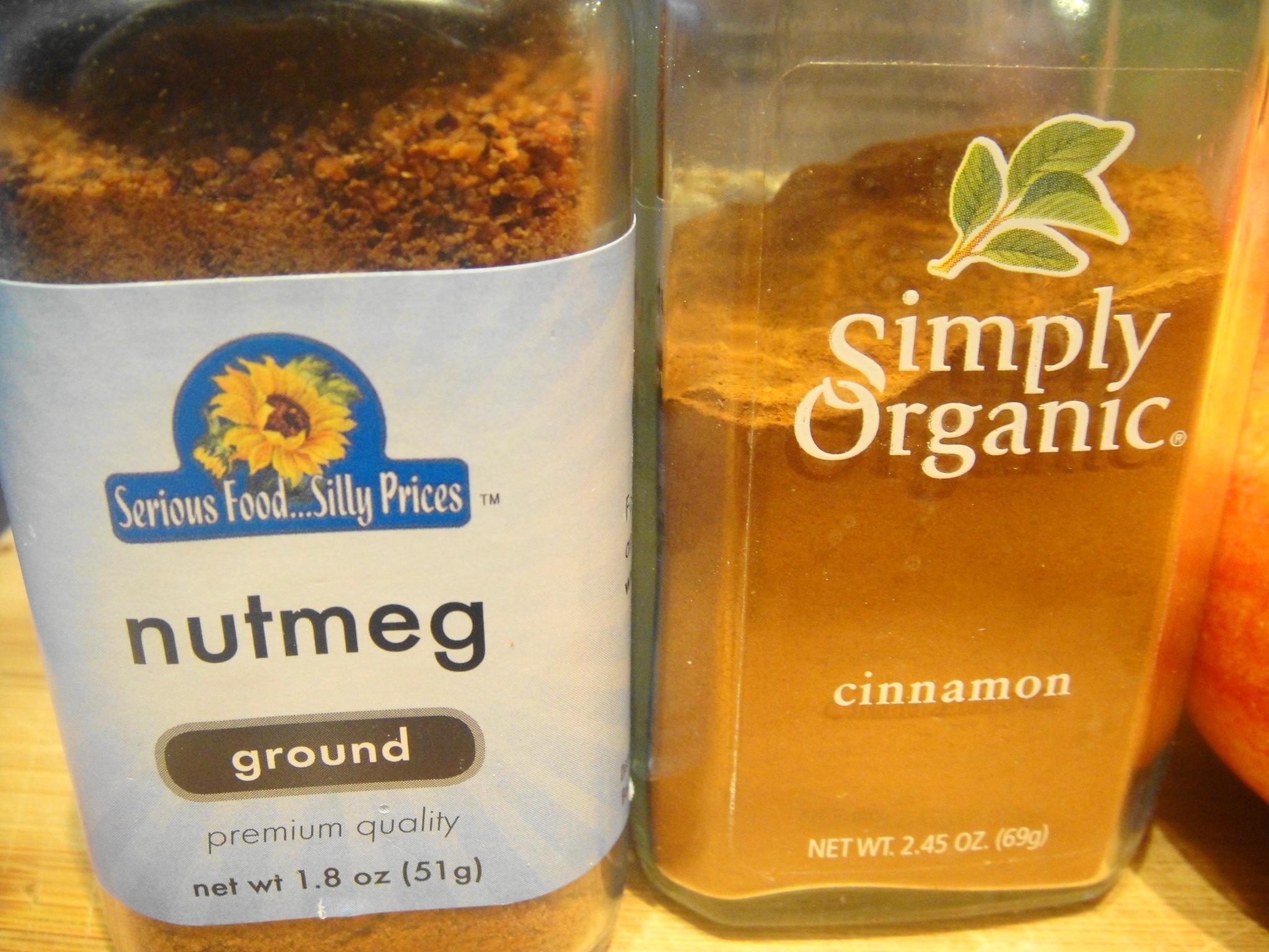 nutmeg cinnamon close up