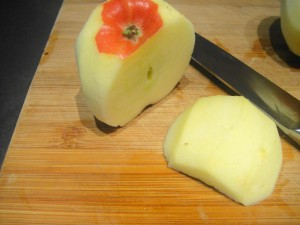 slicing apple 1