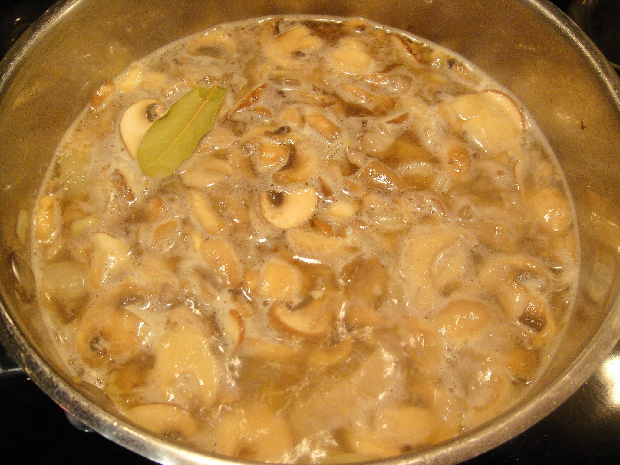 mushroom soup boiling