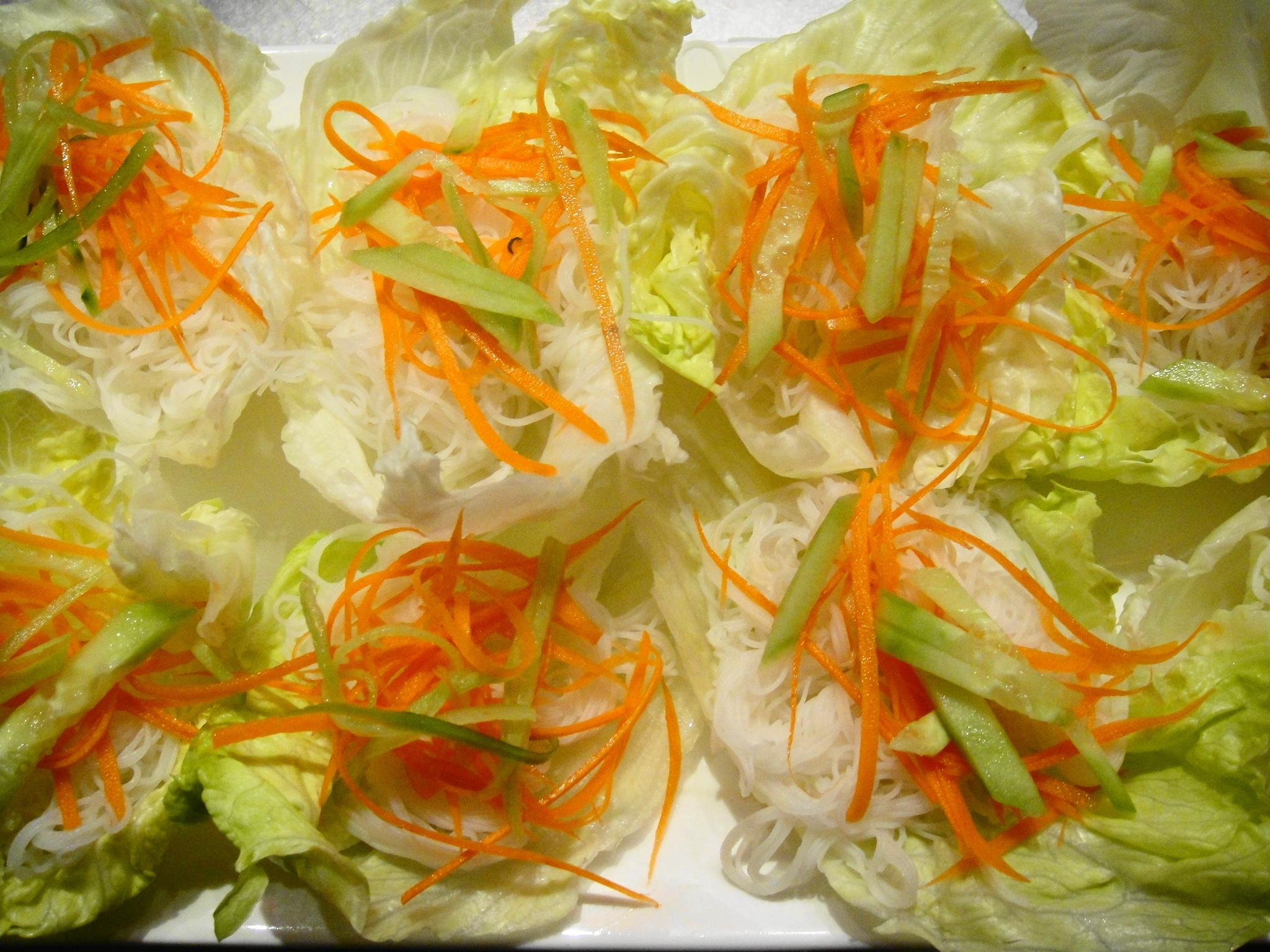 lettuce wraps with carrots