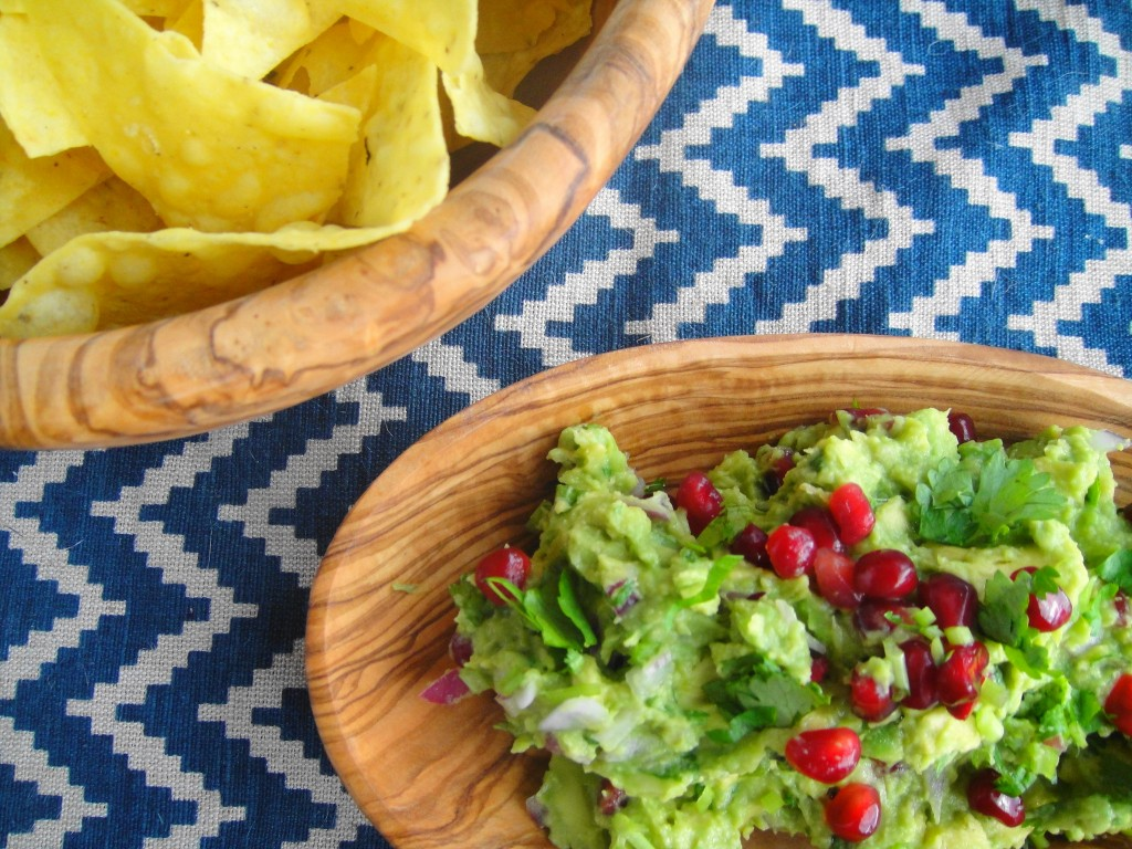 guacamole and chips 2