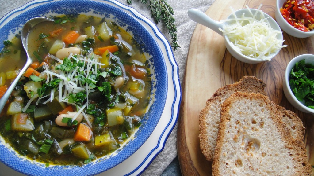 Italian Vegetable Soup with Cannellini Beans | Freshnessgf.com