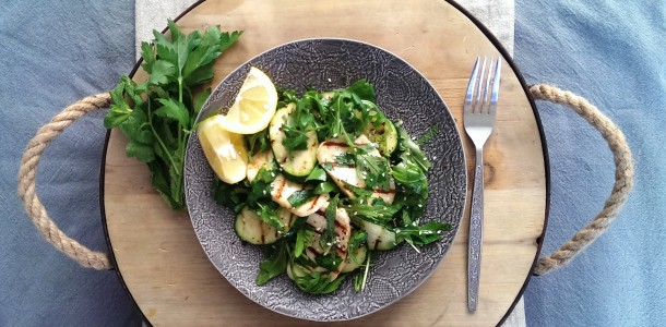 Grilled Haloumi and Herb Salad | Freshnessgf.com