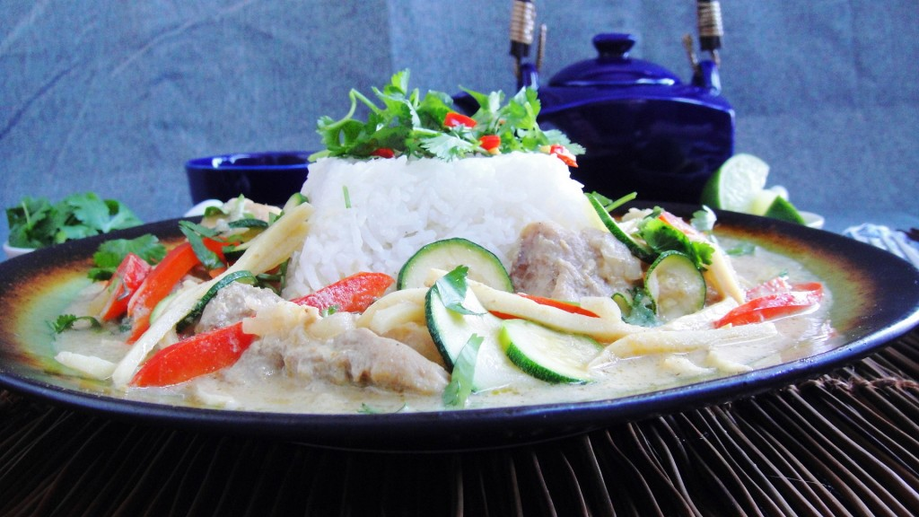 Thai Curry with Chicken and Vegetables | Freshnessgf.com