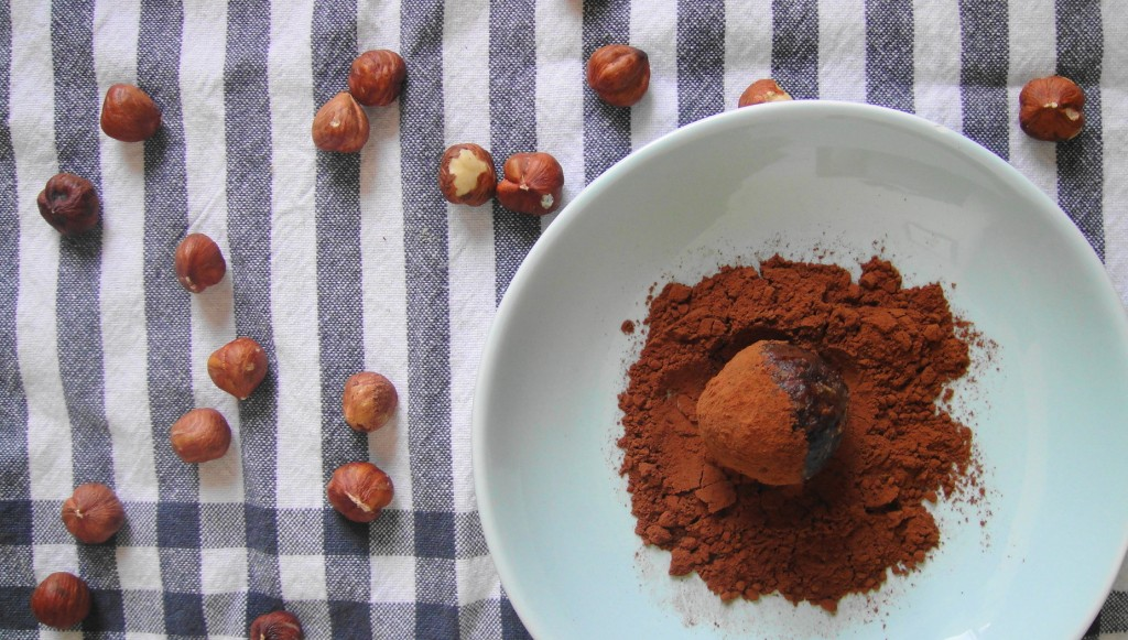 Hazelnut Chocolate Power Balls | Freshnessgf.com