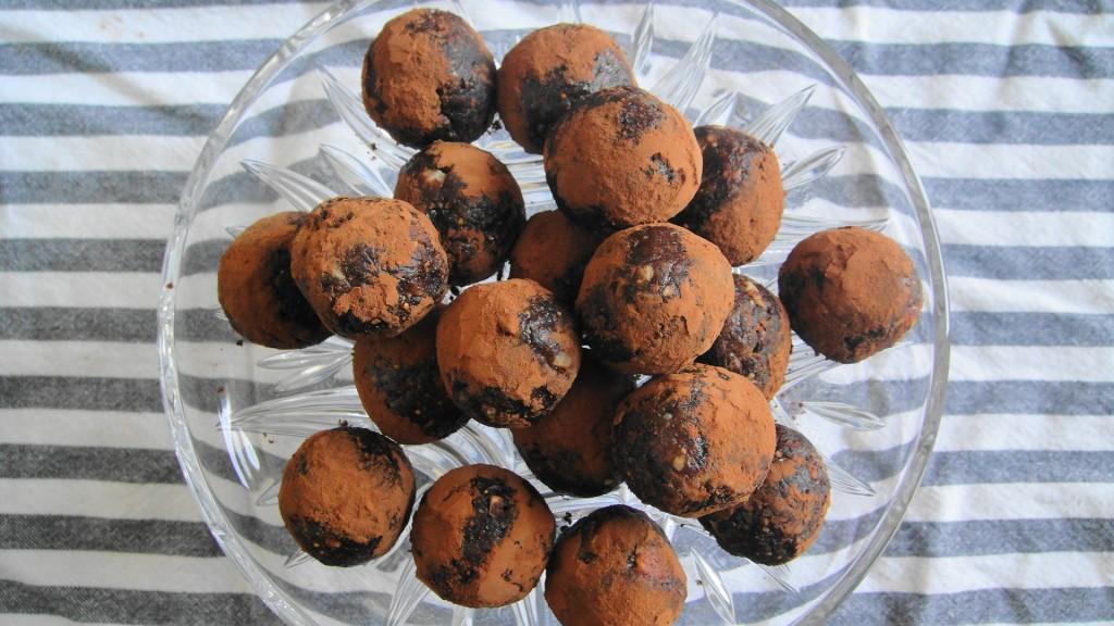 Hazelnut Chocolate Powerballs | freshnessgf.com