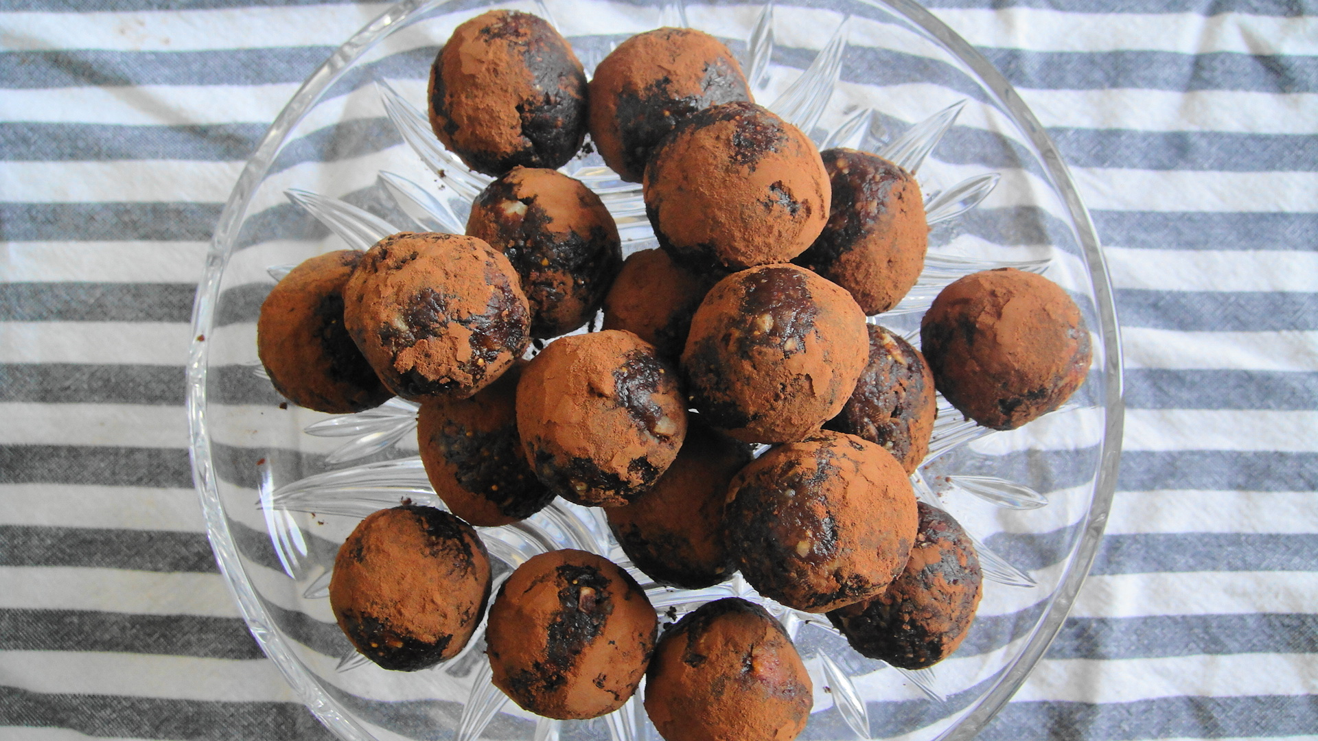 Hazelnut Chocolate Power Balls